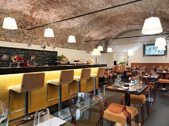 Zû a mâ : Restaurant Interior