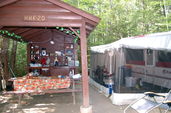 Papoose Pond Family Campground & Cabins : bath and kitchen gotta love it