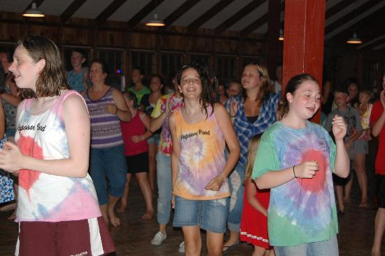 Papoose Pond Family Campground & Cabins: Get up and dance