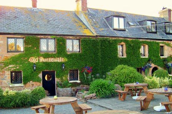 The Old Portelet Inn: PORTELET INN