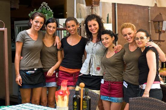 Hotel Idania: The beauties at Bardolino Pizzeria