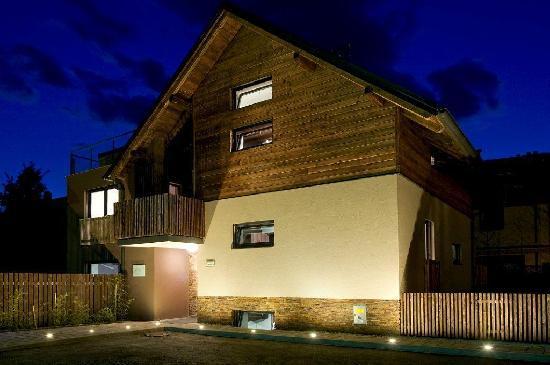 House Neza: At night2