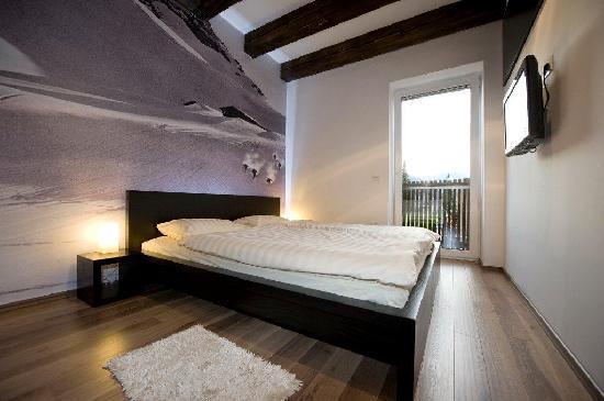 House Neza: Bedroom app3