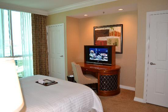 Signature at MGM Grand: Our Bedroom