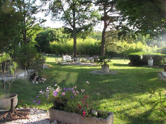 L'Assiette Gourmande: View from the terrace of the lovely garden