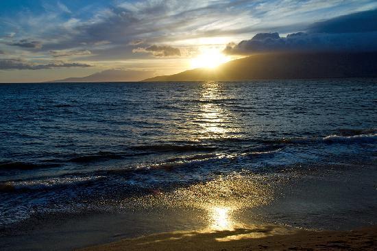 Maui Schooner Resort: Almost sunset