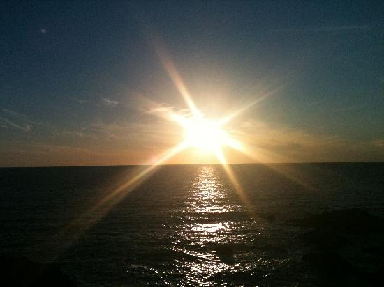 Hartland Quay Hotel: Sunset July 2011