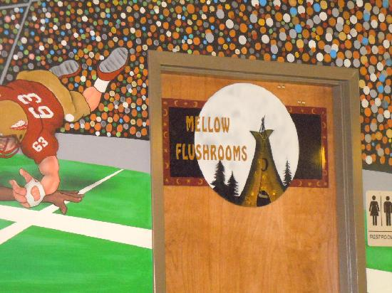 Mellow Mushroom: Entrance to the Mello Flushrooms