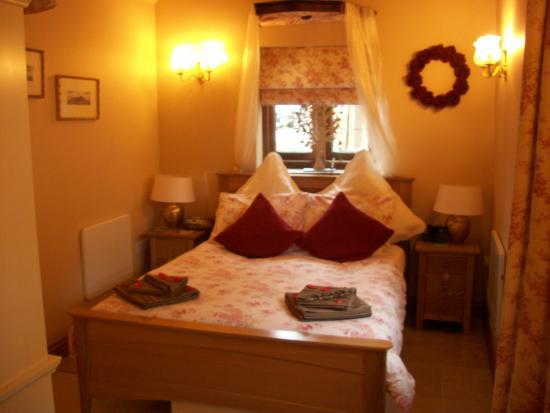 Oldfields Farm: The Bedroom