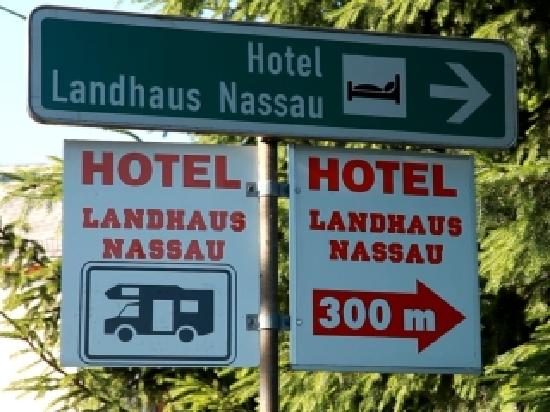 Hotel Landhaus Nassau: Hotelhinweisschild