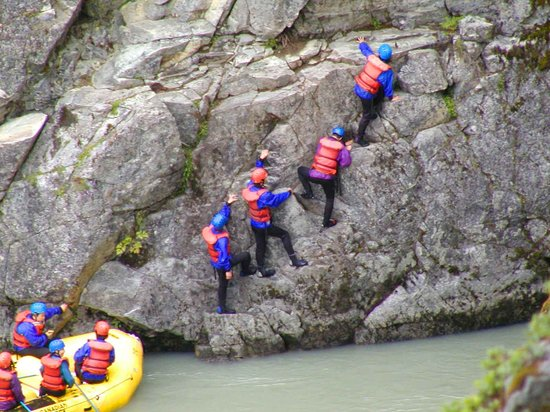 Discover Canada Tours - Day Tours: Rafting in Whistler