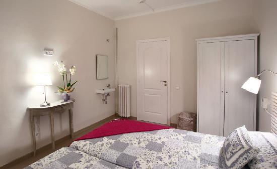 Blanc Guesthouse: Doble baño compartido