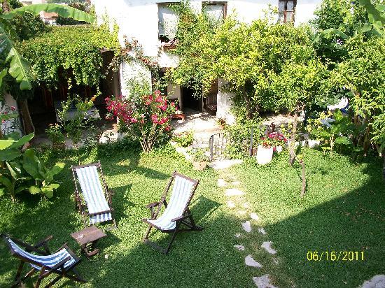 Villa Konak Hotel Kusadasi: Garden Area