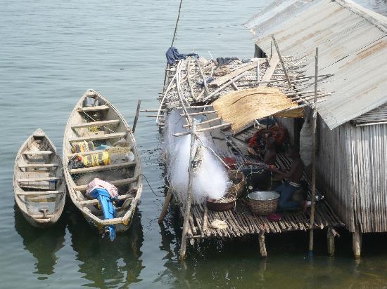 Cotonou, Benin: Leben am Fluss