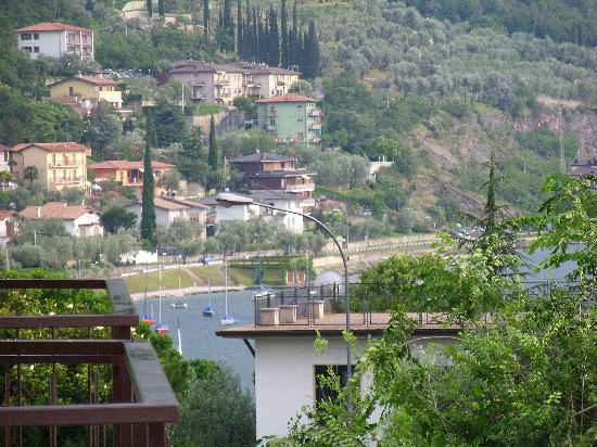 Hotel Benacus Malcesine: Front balcony view