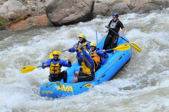 Arkansas Valley Adventures: Lovin' the water!