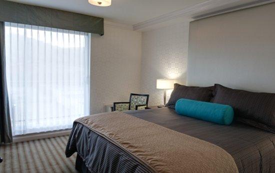 Sandman Hotel & Suites Kelowna: King Suite