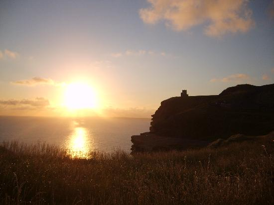Drumcreehy Country House: Cliffs of Moher, 20km von Ballyvaughan