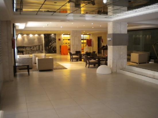 Viva Rey Don Jaime Hotel: Foyer