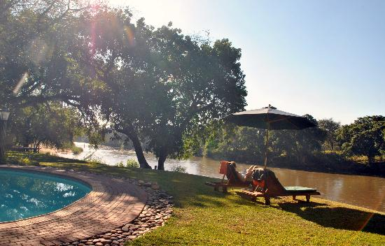 Singwe River Lodge: Piscine