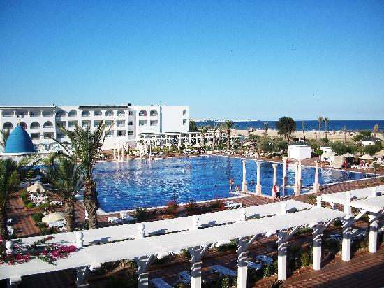 Concorde Hotel Marco Polo: The pool balcony view!