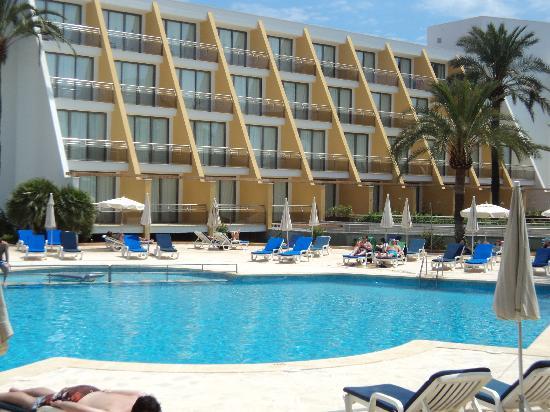 Protur Sa Coma Playa Hotel & Spa: Front Pool