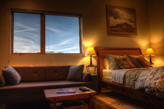 La Luz Desert Retreat: Upper level suite