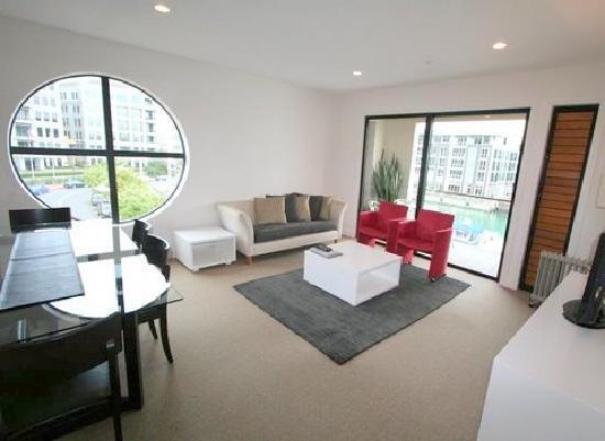 Latitude 37 Accommodation Ltd: Living room