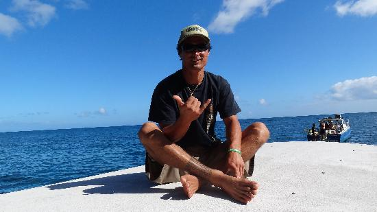Na Pali Makai : Capt Makai on the his throne (he installed the hard top recently)