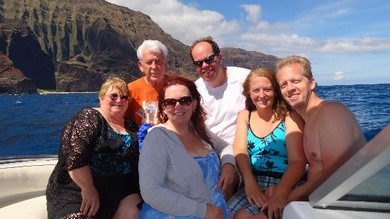 Na Pali Makai: We are all family.  No strangers with us!