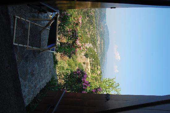 Assos Alarga, Bed and Breakfast: view from the viya room