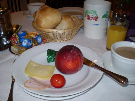 Casa di Santa Brigida: Breakfast!