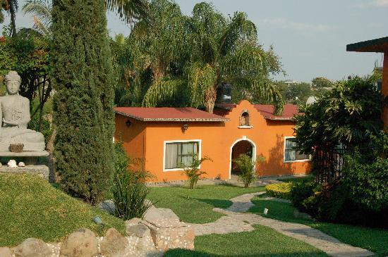 Foto de casa domingo hotel petit miacatl n jardines de - Fotos de jardines pequenos para casas ...