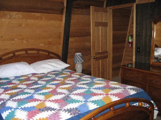Boulder Creek Resort : 2nd bedrooom (with bathroom)
