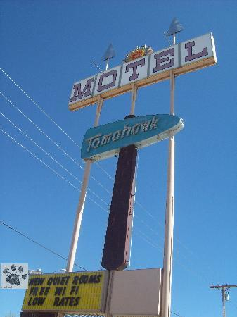 Tomahawk Lodge: Great Vintage sign