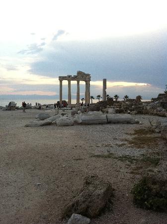 Neptun: Apollp's Temple Side