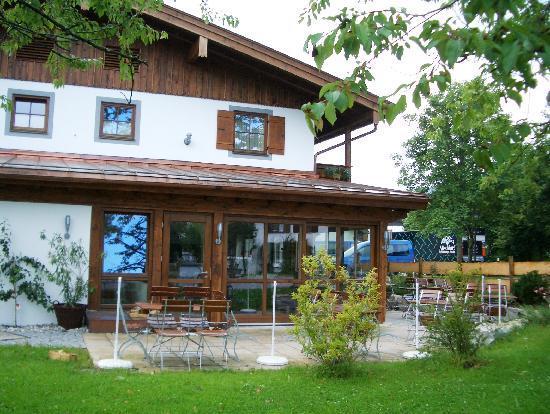 s'Wirtshaus Restaurant: s'Wirtshaus Beer Garden