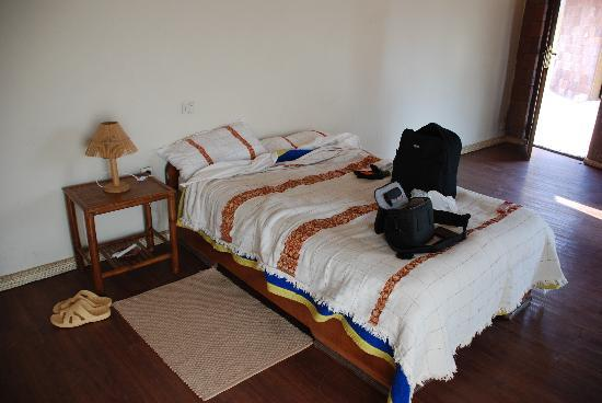 Lal Hotel Lalibela: room with very small bed for two