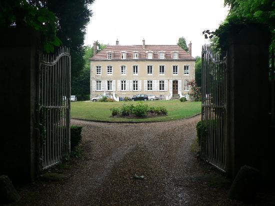Chateau de Jonvilliers Bed & Breakfast: Beautiful