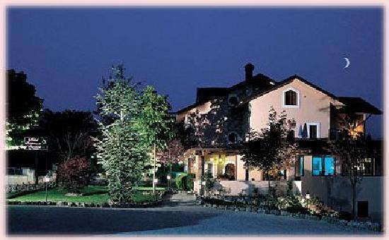 Hotel Il Bucaneve: Bucaneve on night