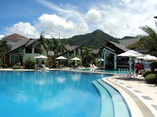 Infinity Pool At The Break Of Dawn Picture Of Acuatico Beach Resort Hotel Laiya Tripadvisor