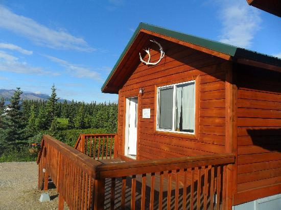 Alaskan Spruce Cabins: exterior view