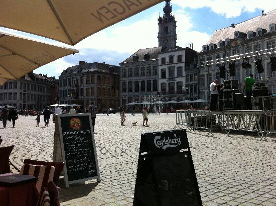 Hotel Lido Mons Centre : Main square in Mons