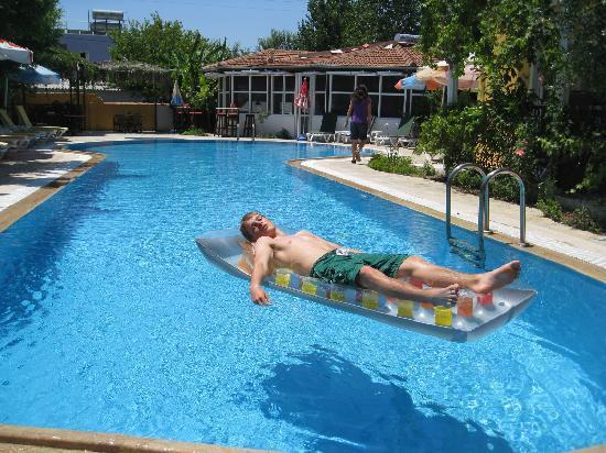 Central Park Hotel: Poolside