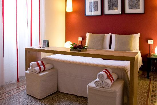 """B&B In Centro : double room """"Red"""""""