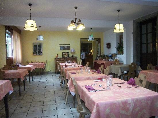 Hôtel Le Clos : la salle du restaurant