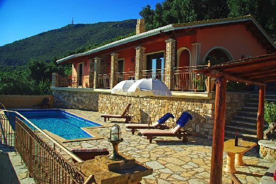 Apolis Villas & Suites Resort: Villa Tryfon