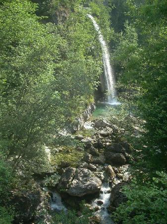 Valle di Ledro : il torrente Palvico, oggi tranquillo, ha fatto tremare gli abitanti della valle