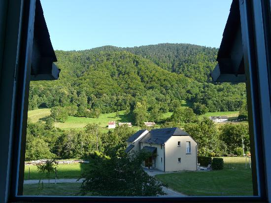 Bagneres-de-Bigorre, Prancis: vue de la chambre