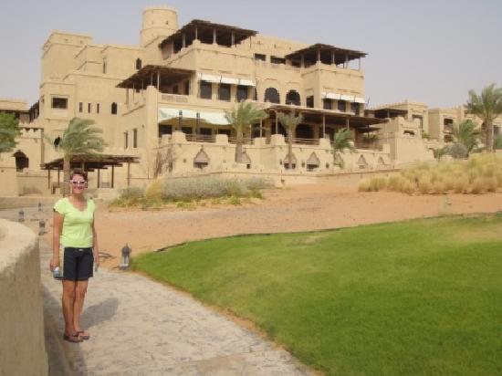Qasr Al Sarab Desert Resort by Anantara: From the desert to the hotel